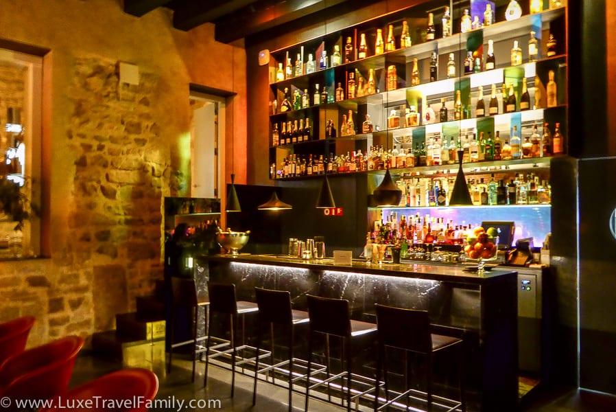 Small empty ocktail bar at the Mercer Restaurant, Mercer Hotel Barcelona
