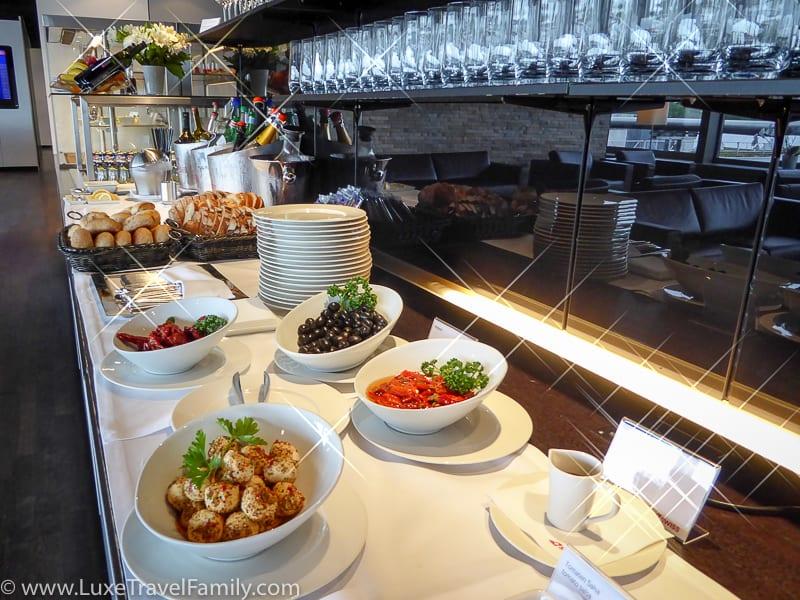 Buffet in the Swiss First Class Lounge in Zurich