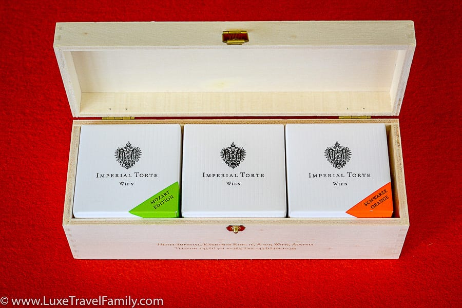 Triple mignon Imperial Torte - Mozart, Original and Schwarze Orange
