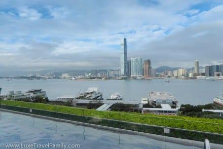 Awesome-infinity-pool-Four-Seasons-Hong-Kong