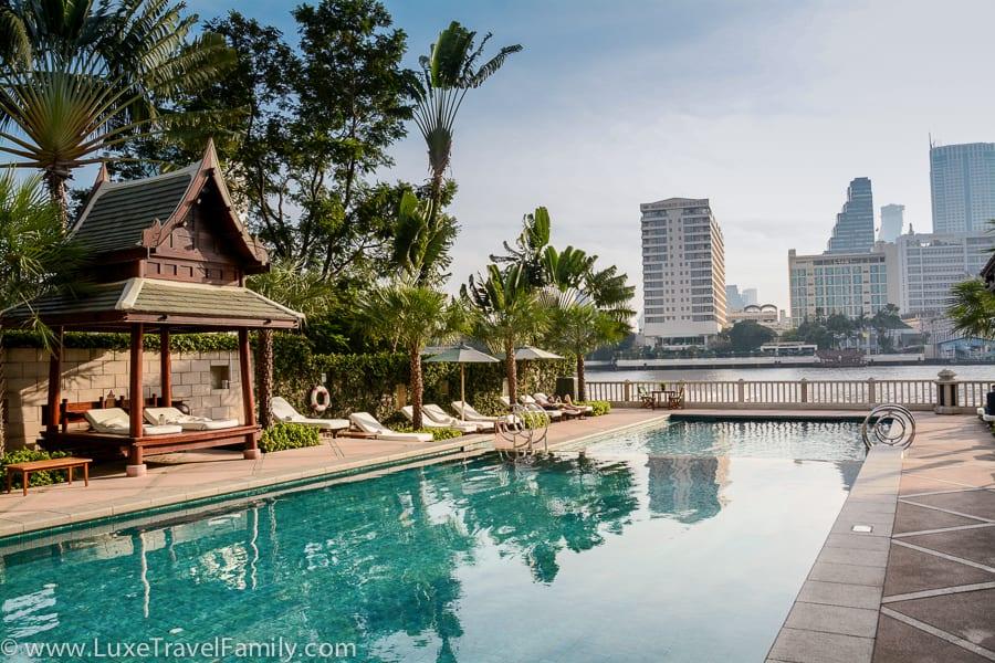 The Peninsula Bangkok luxury hotel pool