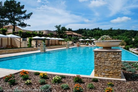 Terre Blanche France luxury hotel infinity pool