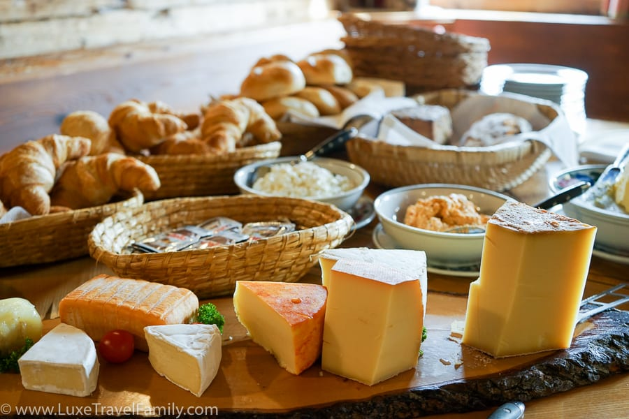 breakfast Hochalphutte culinary hike in Bregenzerwald